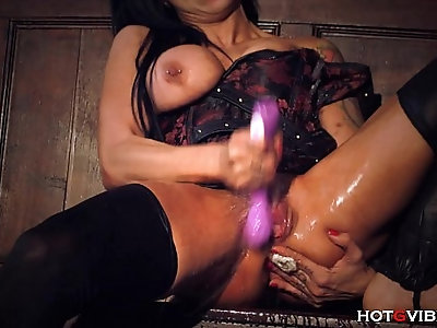 Screaming Squirting Orgasms