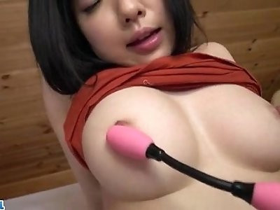 Airi Minami amazes with her big boobs and puffy cherry