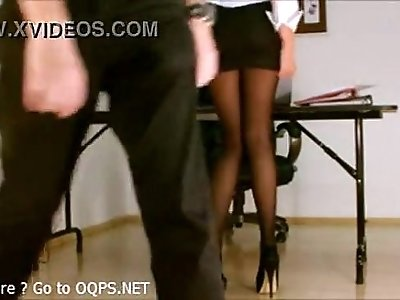 Secretary with heels, pantyhose but no panty