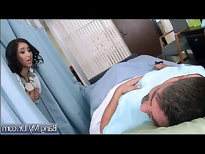 Horny slut Patient isis love Fucks herself With Dirty Doctor vid