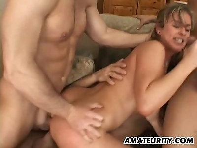 Amateur girlfriend double penetration with a creampie