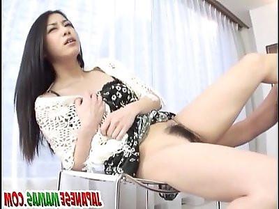 Brunette, Kyoka Ishiguro, endures dick in her tight vag